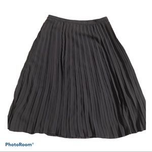 🛍Pleated Black Petite Midi Skirt